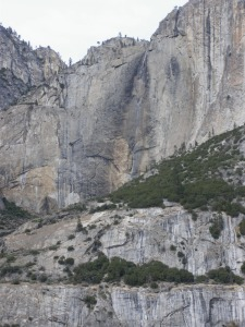 Dry Yosemite Falls. Picture from:http://yosemitenaturenotes.blogspot.com/2014/01/junuary.html